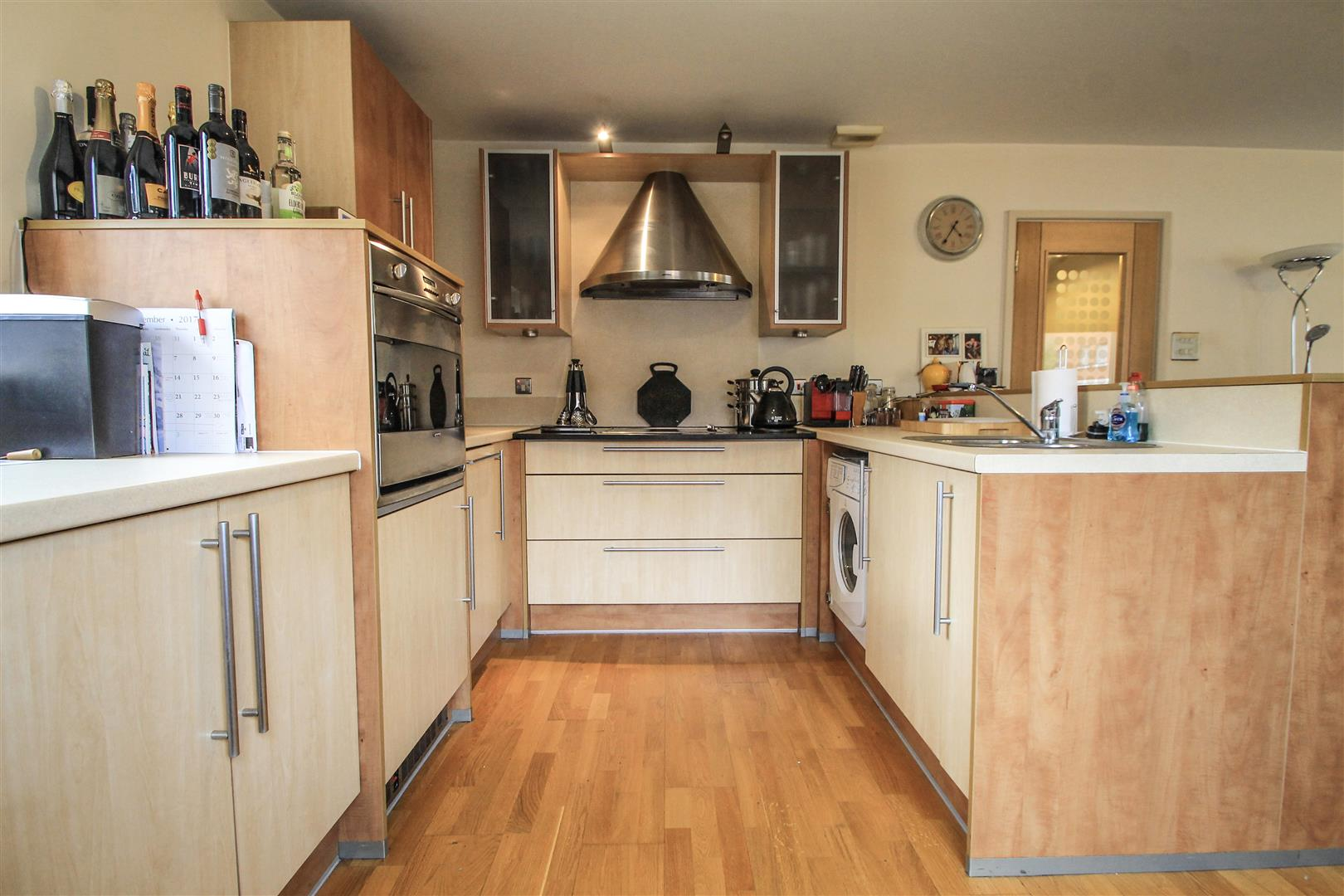2 Bedrooms Apartment Flat for sale in Henke Court, Cardiff